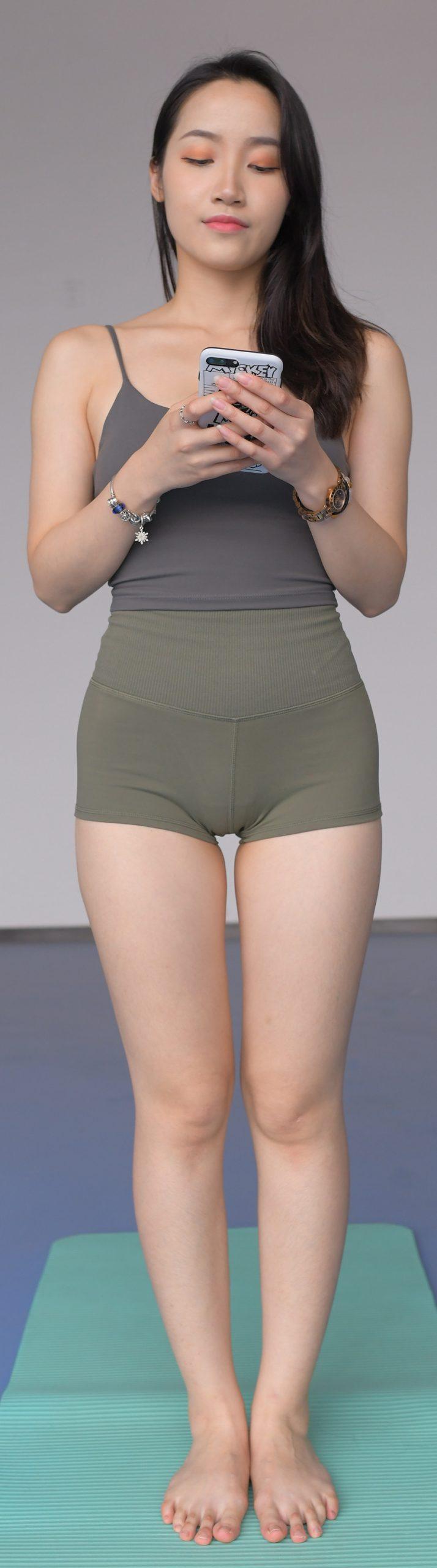 军绿色热裤 (套图+视频)