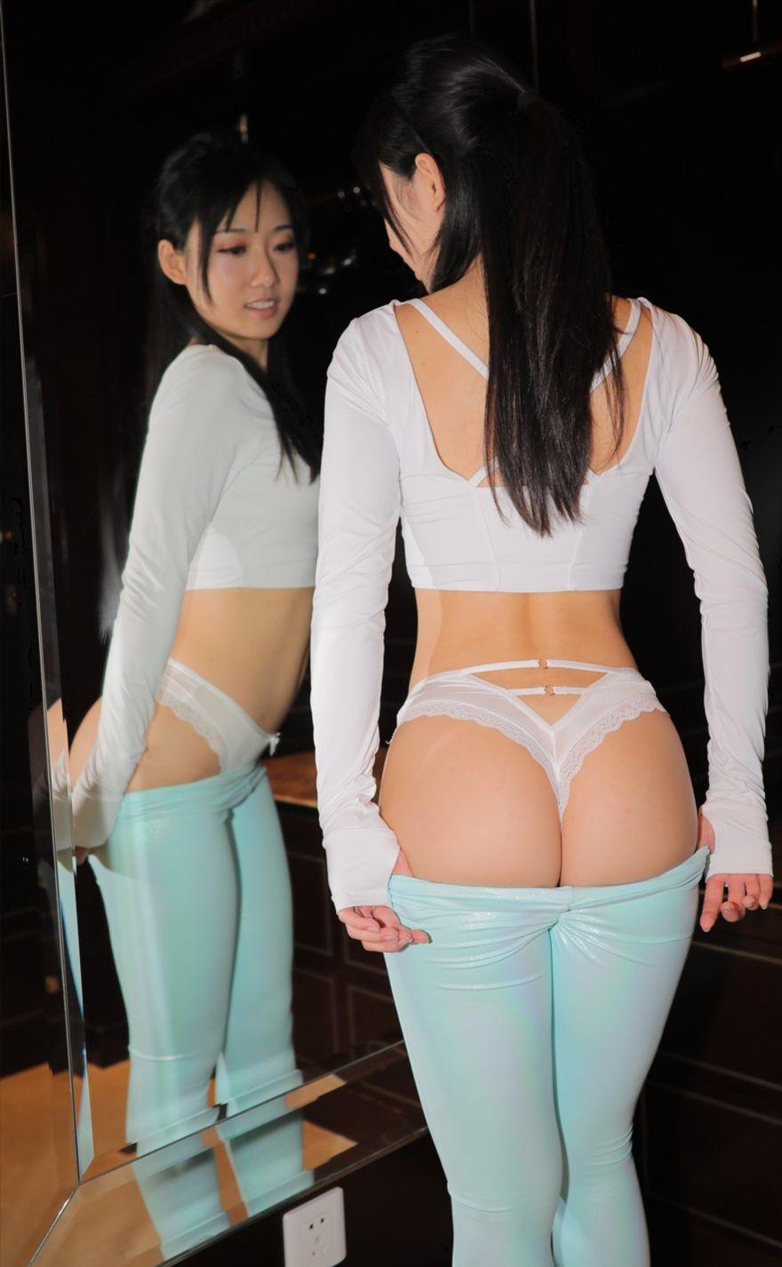 皮质瑜伽裤含几个短视频