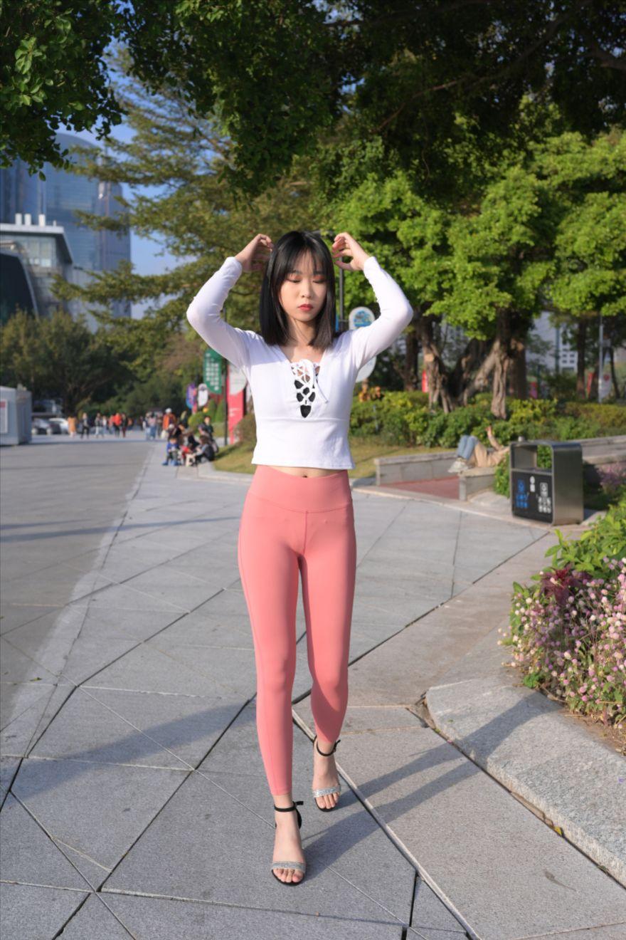粉色紧身裤(套图+视频)