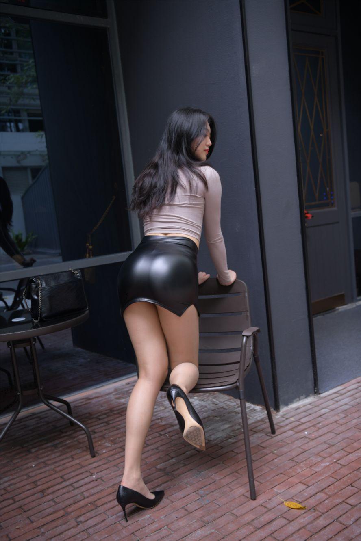 皮革短裙(套图+视频)