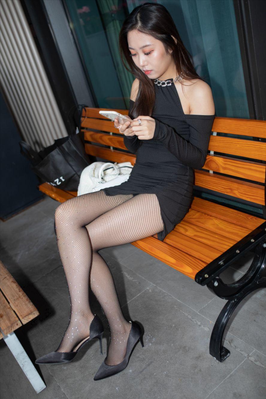 短裙黑丝(套图+视频)