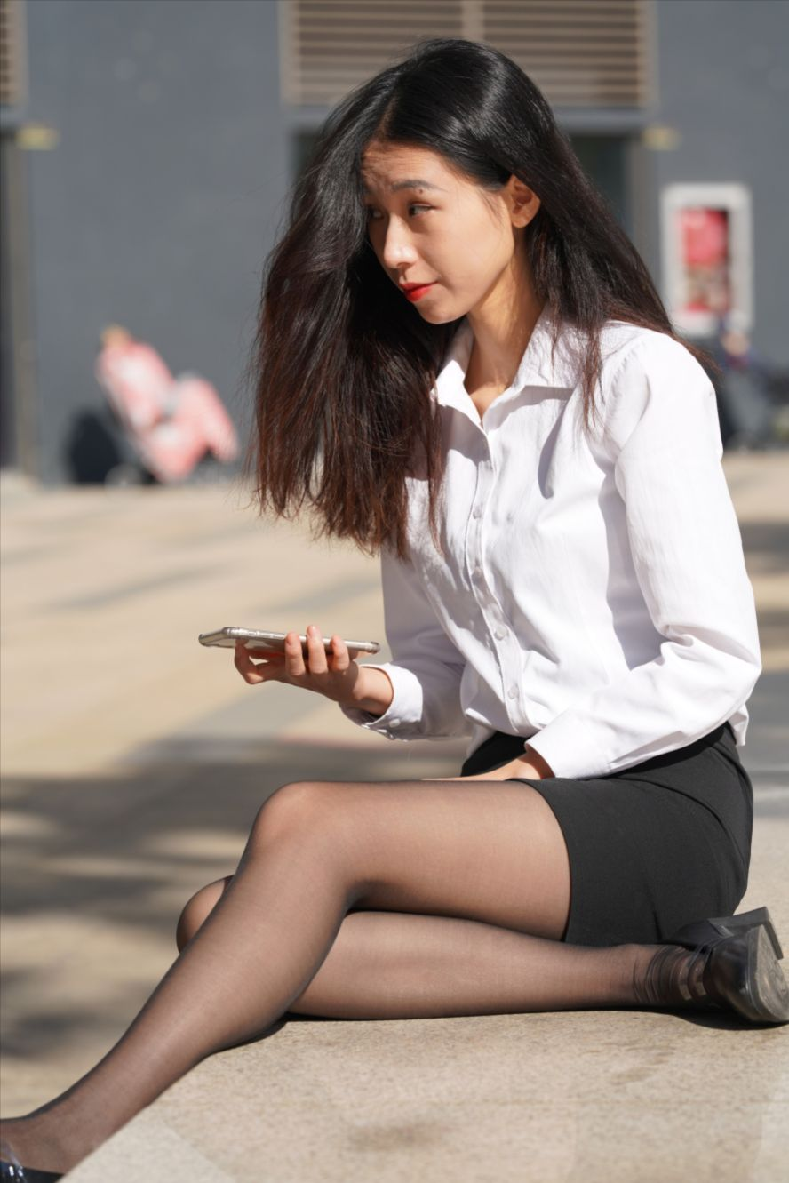 短裙黑色丝袜(套图+视频)