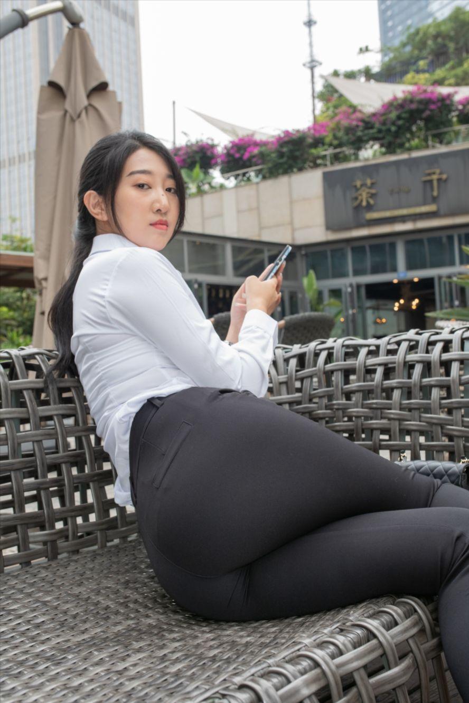 黑色紧身裤(套图+视频)