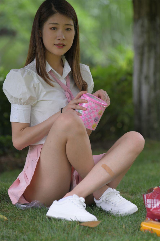 粉色短裙(套图+视频)