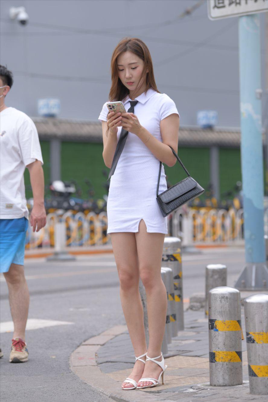 白色包臀短裙(套图+视频)