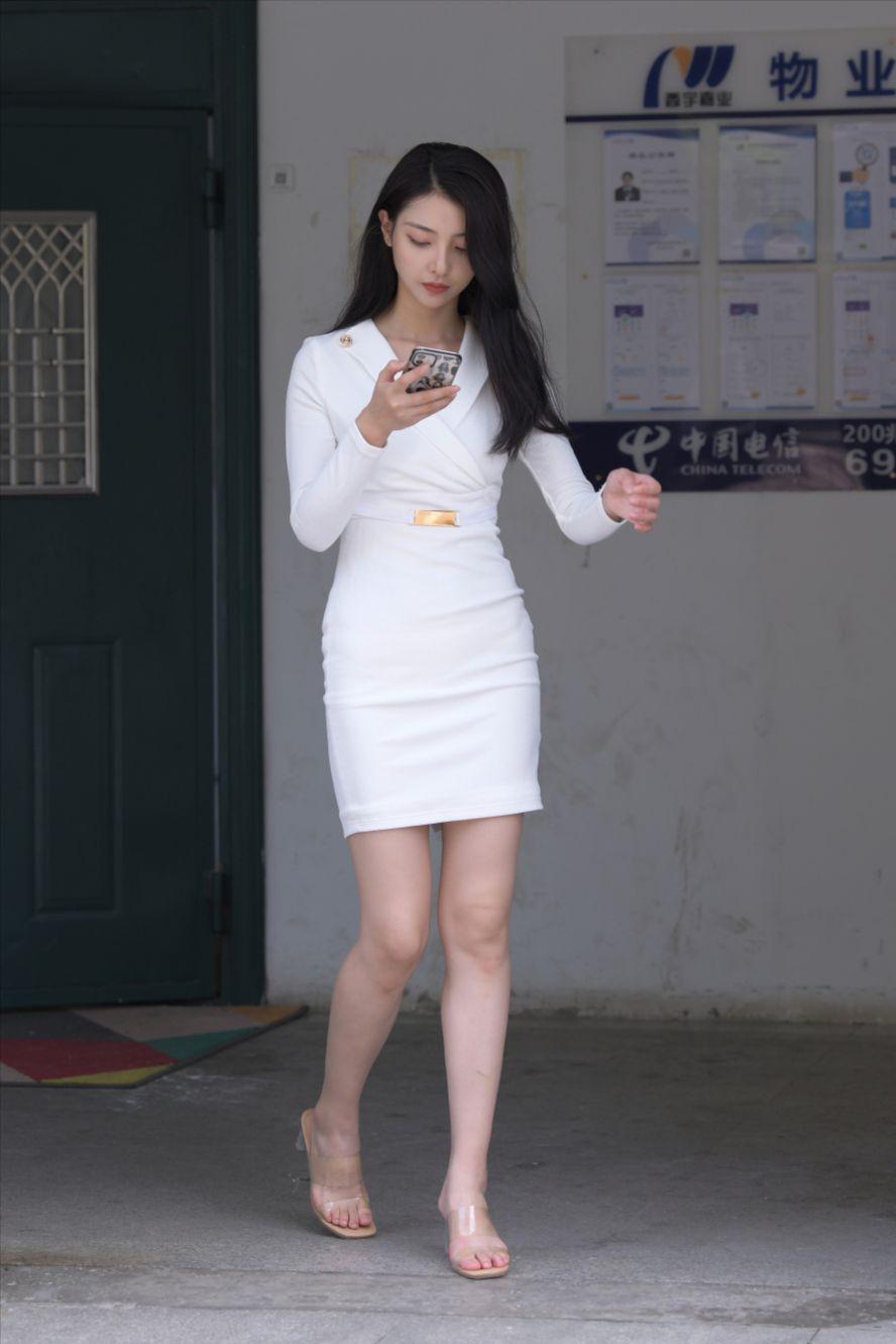 白色制服美女(套图+视频)